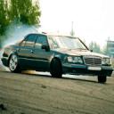 W124豪华轿车的驾驶