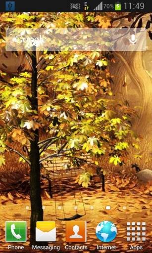 摆动在秋季公园生活壁纸